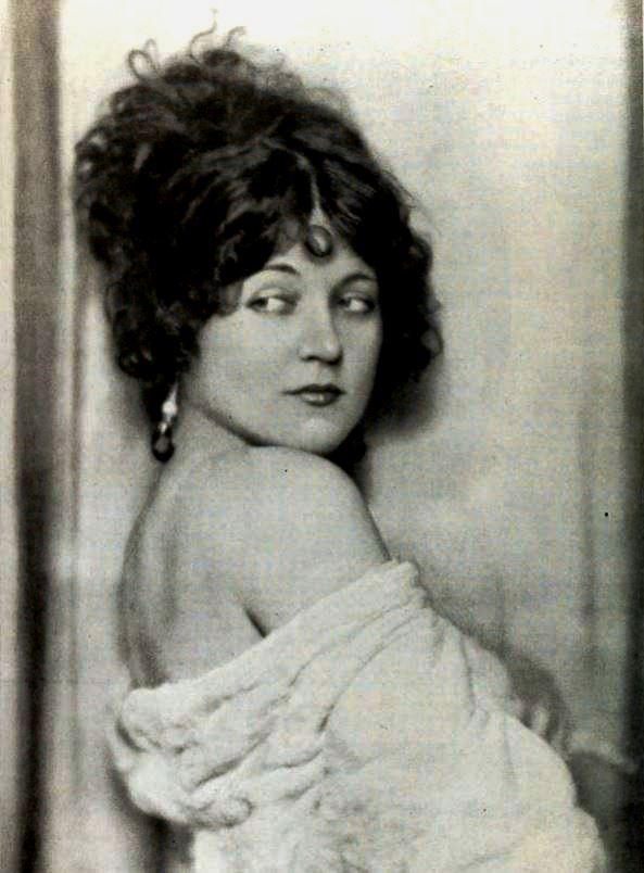 Boudoir History - Marie Prevost 1922
