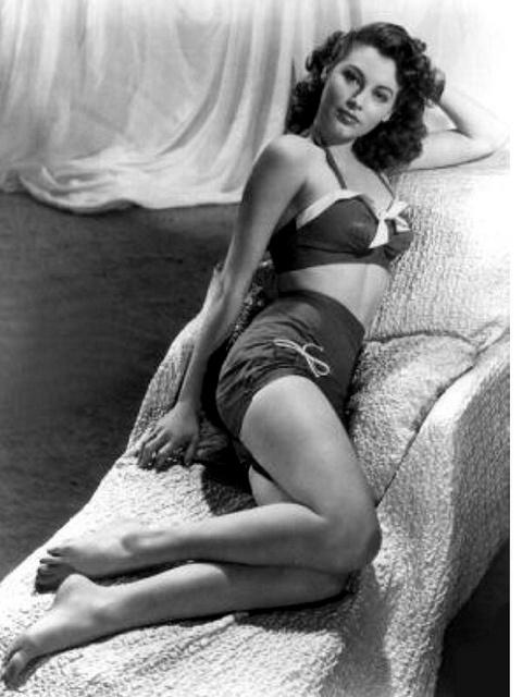 Ava Gardner 1940's pin up